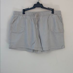 Khaki linen shorts